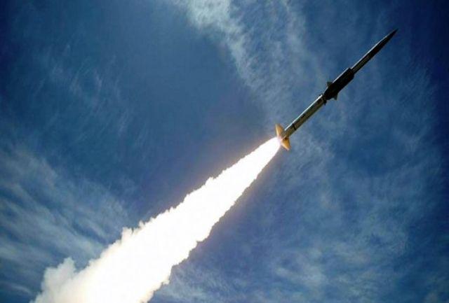 حمله ارتش یمن به پایگاه سعودی با موشک بالستیک «بدر1»