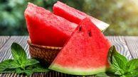 فایدههای شگفت انگیز خوردن این میوه قرمز خوشمزه
