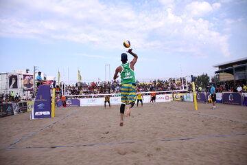 سمنان قهرمان مسابقات والیبال ساحلی قهرمانی کارگران کشور