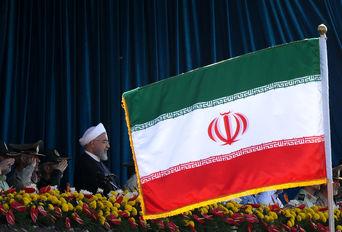 رژه نیروهای مسلح ارتش جمهوری اسلامی ایران