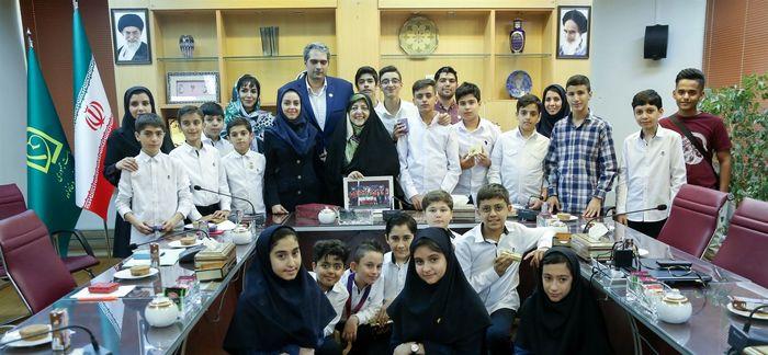 ذهن خلاق نوجوانان ایرانی می تواند به حل مشکلات کشور کمک کند