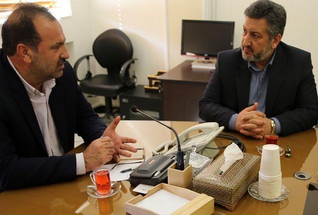 از راه اندازی شبکه رادیویی و تلویزیونی گردشگری در فارس حمایت می کنم