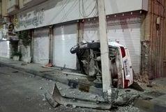 سه حادثه در کرمان/برخورد خودروها با تیرهای چراغ برق