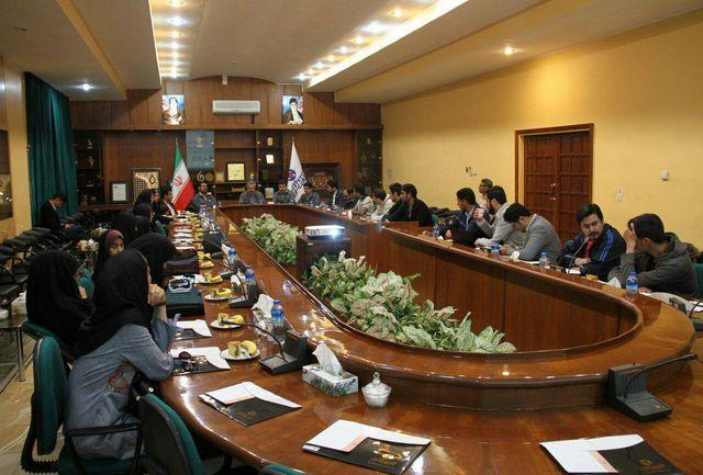 حضور شرکت کنندگان سمینار ملی منطقه ای جوان خلاق ایران پیشرو از کویرتایر