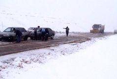کدام جادههای کشور برفی و بارانی است؟ / تردد در محورهای کوهستانی برون زنجیر چرخ، ممنوع!