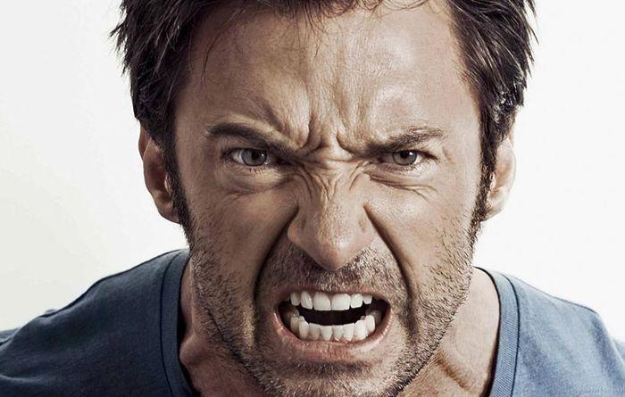 چه بخوریم تا کمتر عصبانی شویم؟
