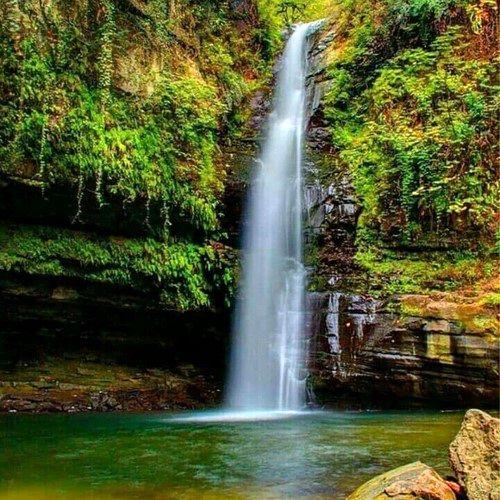 سقوط جوان 25 ساله به داخل آبشار