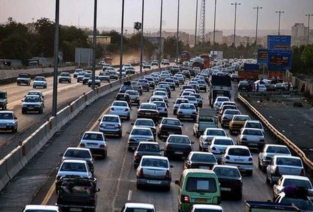 تردد کامیونت، وانت بار و موتورسیکلت در آزادراه تهران – قم ممنوع شد