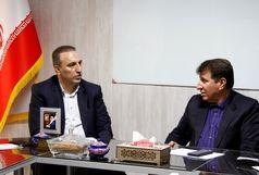 دیدار فرماندار نهاوند با مدیرعامل شرکت توزیع نیروی برق استان همدان
