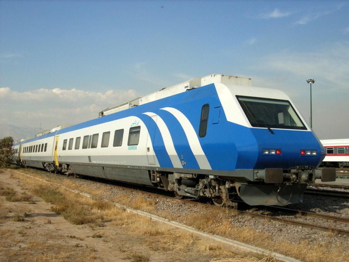 نظام بانکی در توسعه ناوگان ریلی همراه شرکت راهآهن باشد
