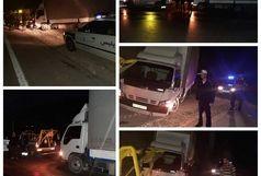  امدادرسانی مامورین پلیس راه ایلام - کرمانشاه به راننده  در راه مانده