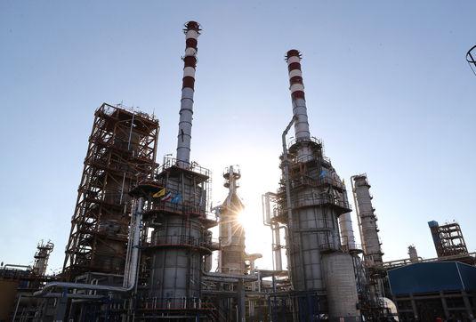 محدودیت حصر کاهش یافت/ طوفان ظریف در مونیخ/ واکنش دو فوتبالیست به اظهارات ظریف و واکنش رهبری/ مگاپروژه ای که ایران را از واردات نفت بینیاز کرد