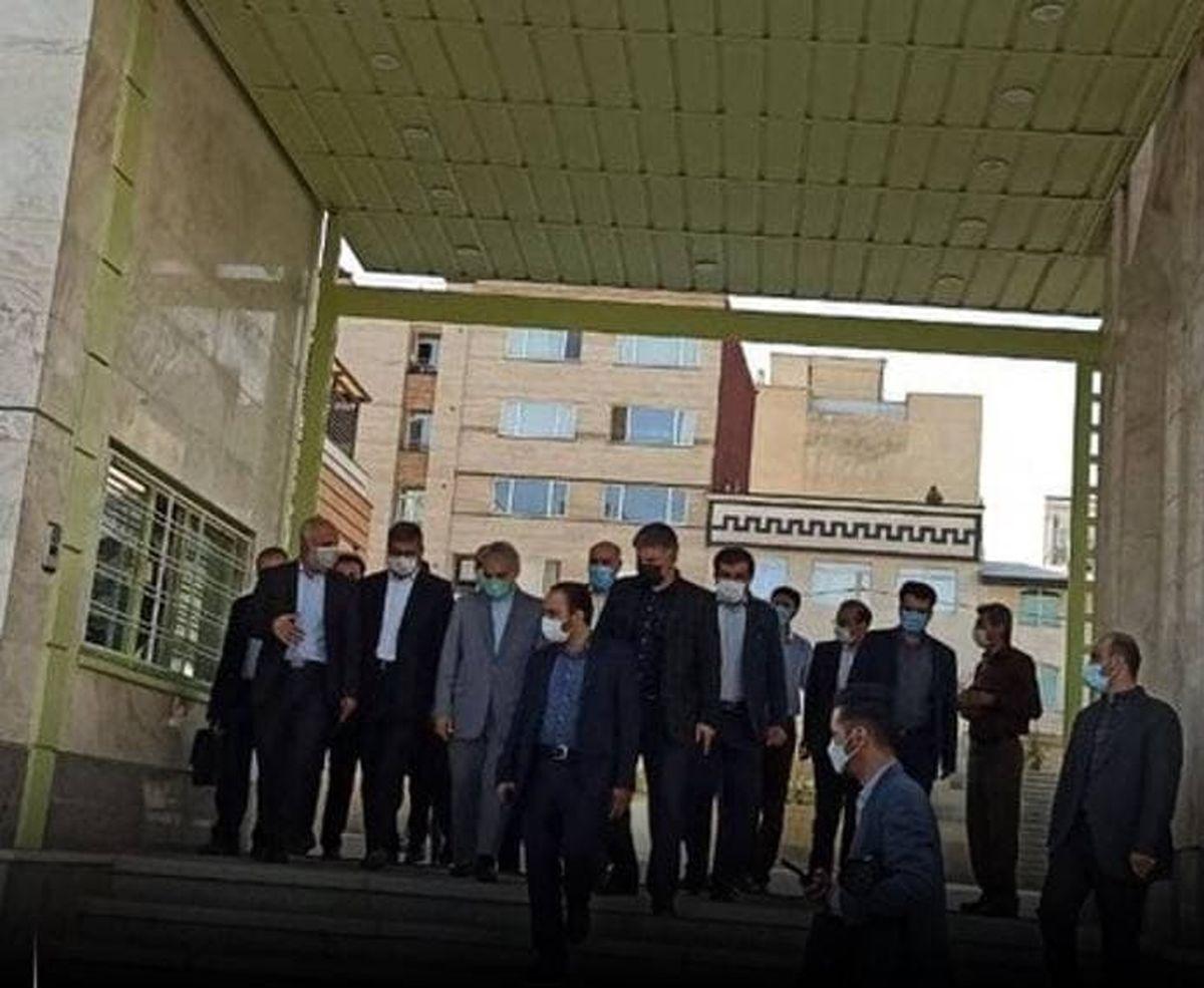 بازدید رییس سازمان برنامه و بودجه از مجتمع آموزشی شهید مدنی همدان