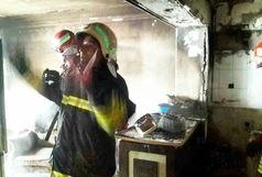 آتش سوزی طبقه چهارم یک آپارتمان در گلسار رشت
