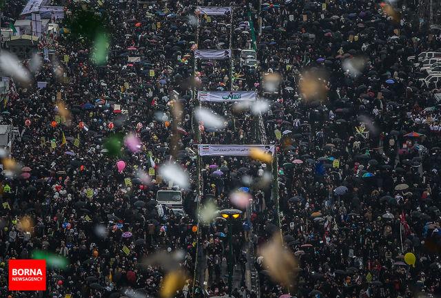 قطعنامه پایانی راهپیمایی 22 بهمن قرائت شد