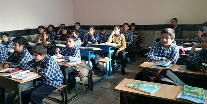 معلمان کشور دانش به روز شدهای ندارند/ آموزش ضمن خدمت موفق نداریم