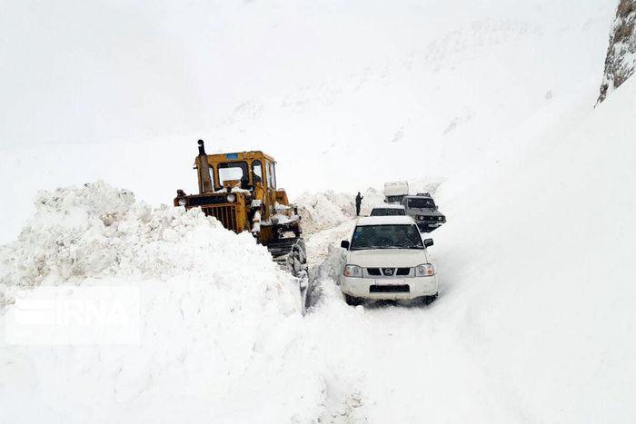 ۱۷۴ راه روستایی استان زنجان در برف و کولاک بسته شد