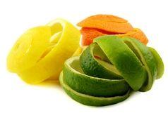 خوردن میوه با پوست بهتر است یا بدون پوست ؟