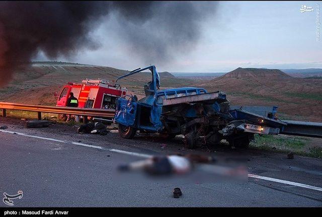 تصادف مرگبار اتوبوس با نیسان در جاده ایلام - مهران