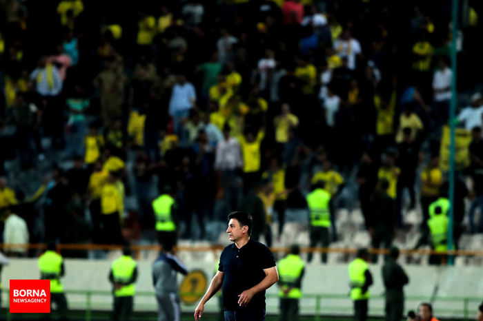 آذری: امیر فوتبال ایران مراقب خودت باش