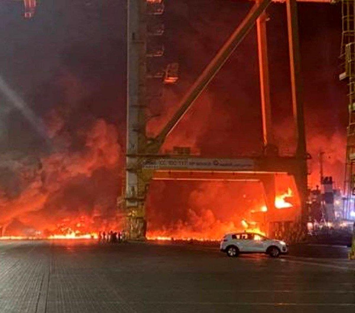 لحظه انفجار در بندر جبل علی در دبی+ فیلم